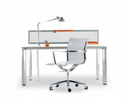 P50 task desk